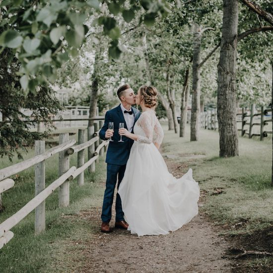 Gunn's Dairy Barn Summer Wedding