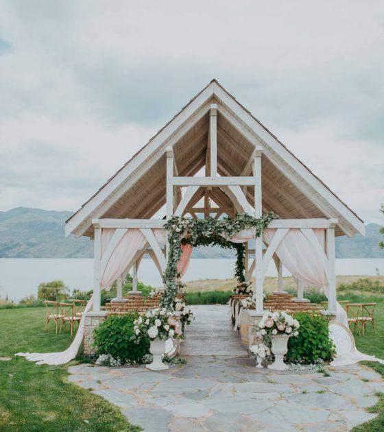 Destination Kelowna Intimate Wedding