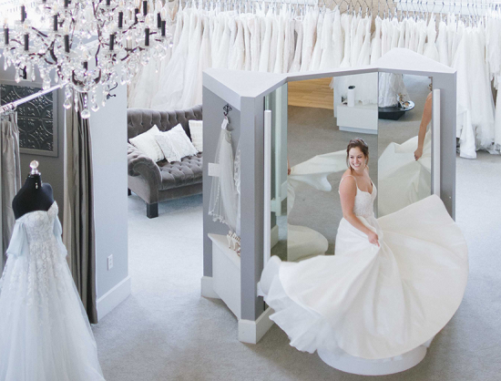 Tips from the Experts: Wedding Gown Shopping |  Denver Wedding Planning