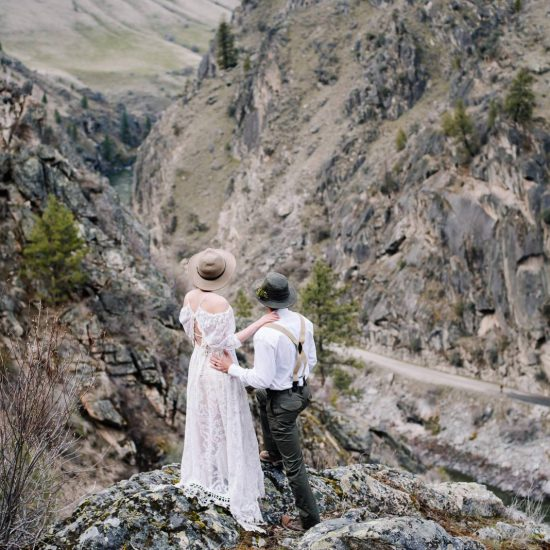 Riverside Elopement with Eco-Friendly Details