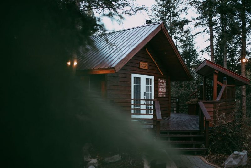 Intimate and Cozy Wedding at the Cedar House Chalets