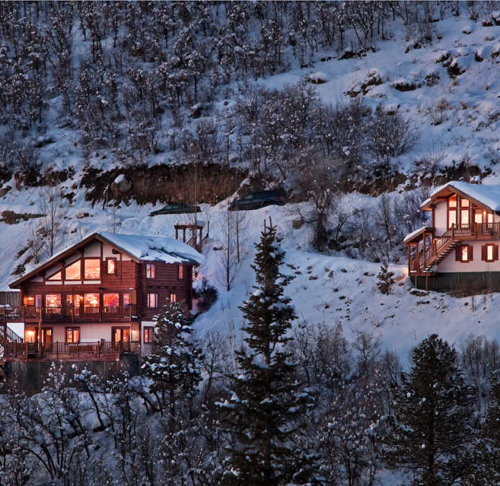 Experience a Luxury Honeymoon with Moving Mountains