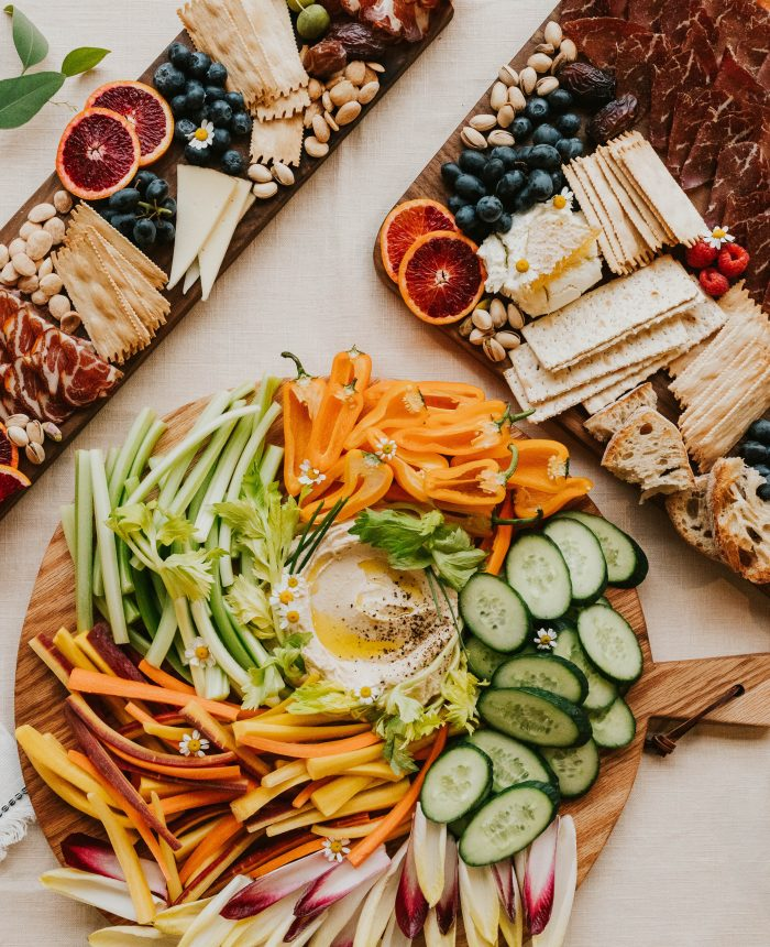 How to Pack the Perfect Charcuterie Picnic for Two