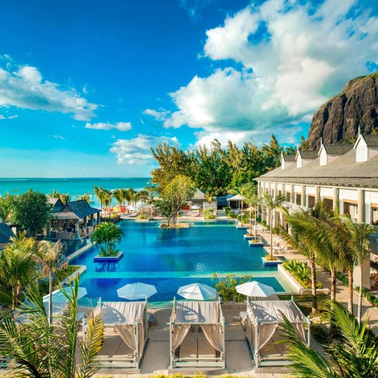 Plan a Spectacular Beachfront Honeymoon at The St. Regis Mauritius Resort