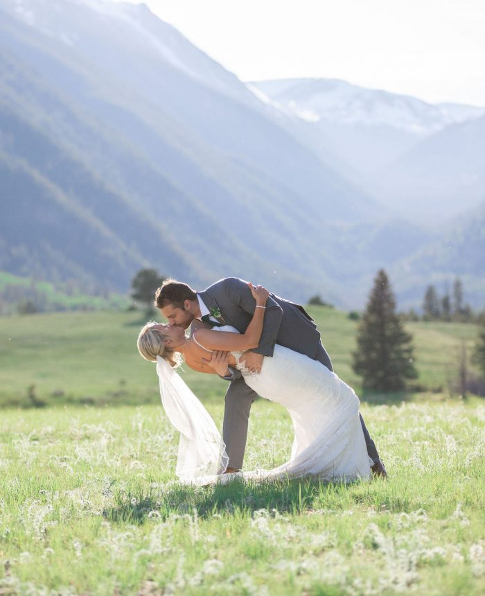 Vibrant and Emotional Wedding at Della Terra Mountain Chateau