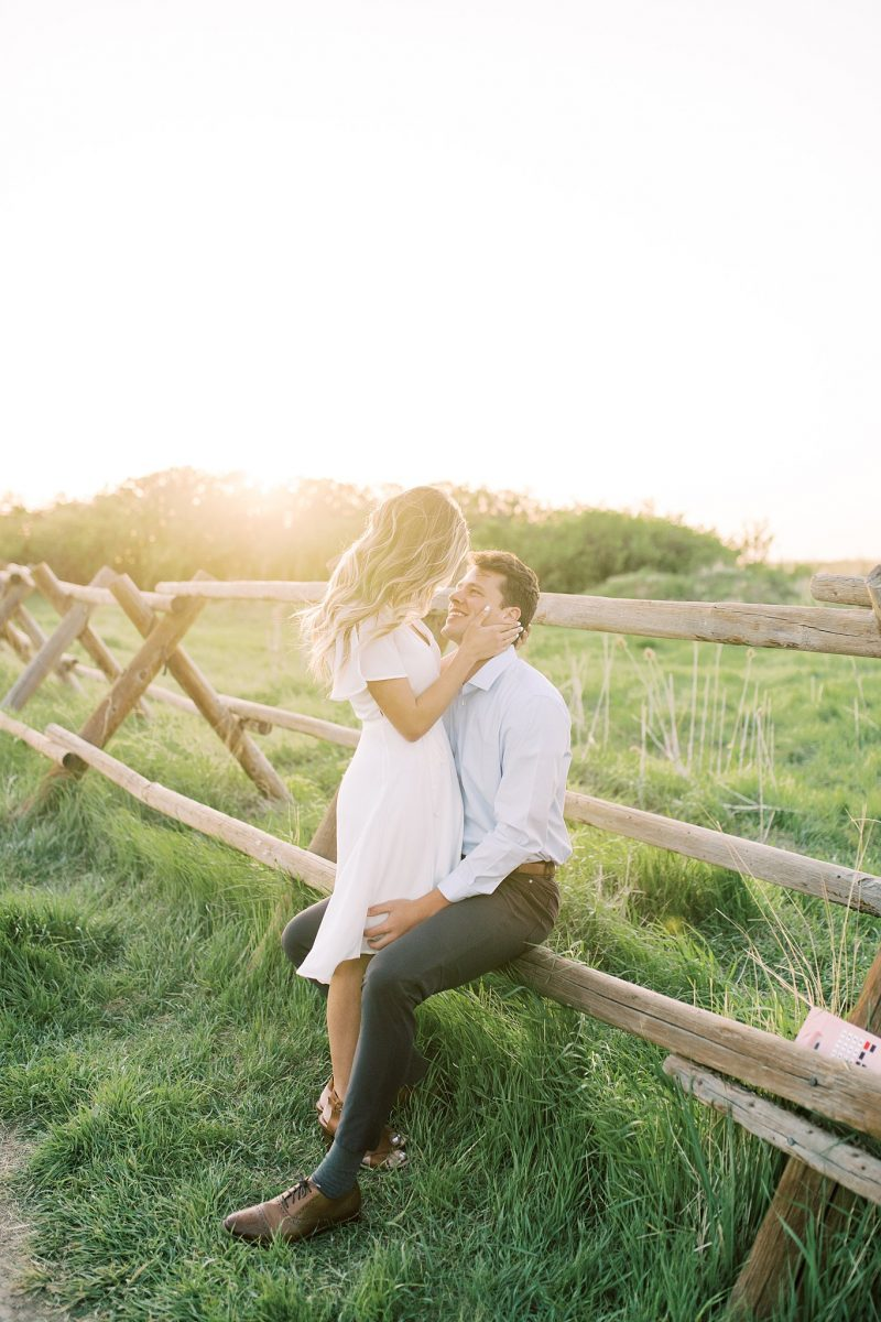 Simple and Elegant Engagement at Tunnel Springs Park