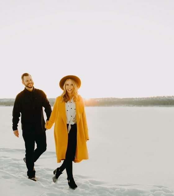 Sunny and Affectionate Ponderosa State Park Engagement