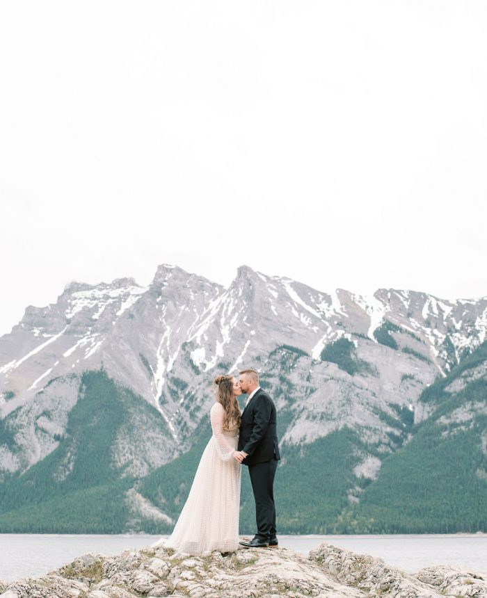 Soft and Romantic Elopement at Tunnel Mountain Reservoir