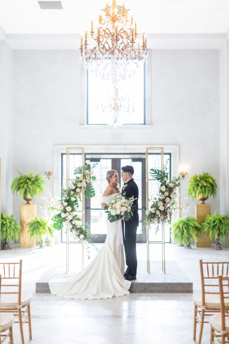 Bright and Timeless Wedding Inspiration