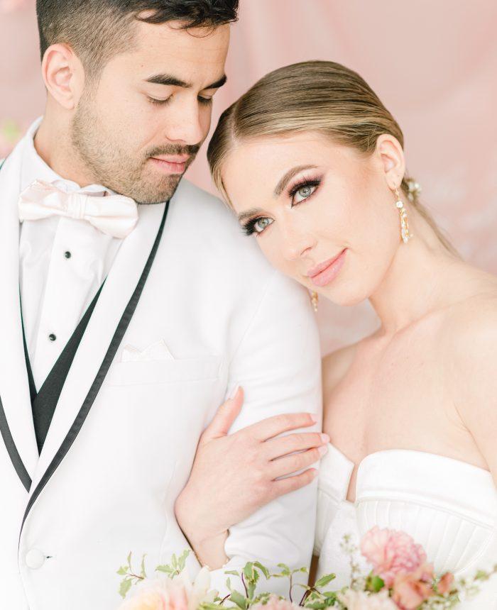 Modern and Romantic Peach Kissed Wedding Inspiration