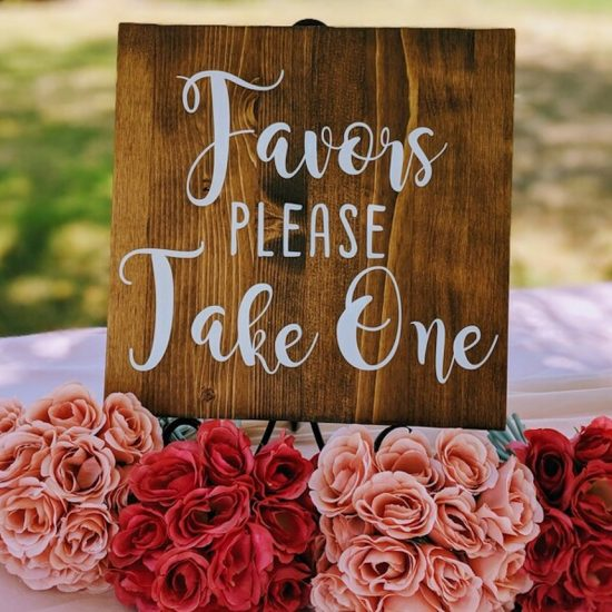 Seasonal Wedding Favors Your Guests Will Love