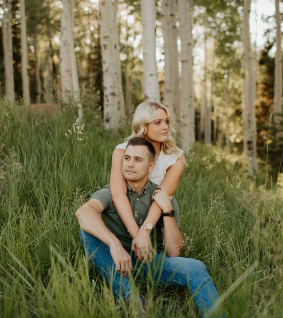 A Casual and Fun Woodsy Engagement Session